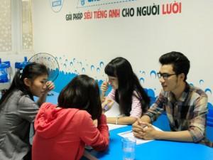 Giám đốc 9X kiếm tiền tỉ nhờ giúp người lười học tiếng Anh