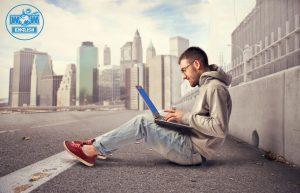 Học online là phương pháp tự học tiếng Anh phổ biến